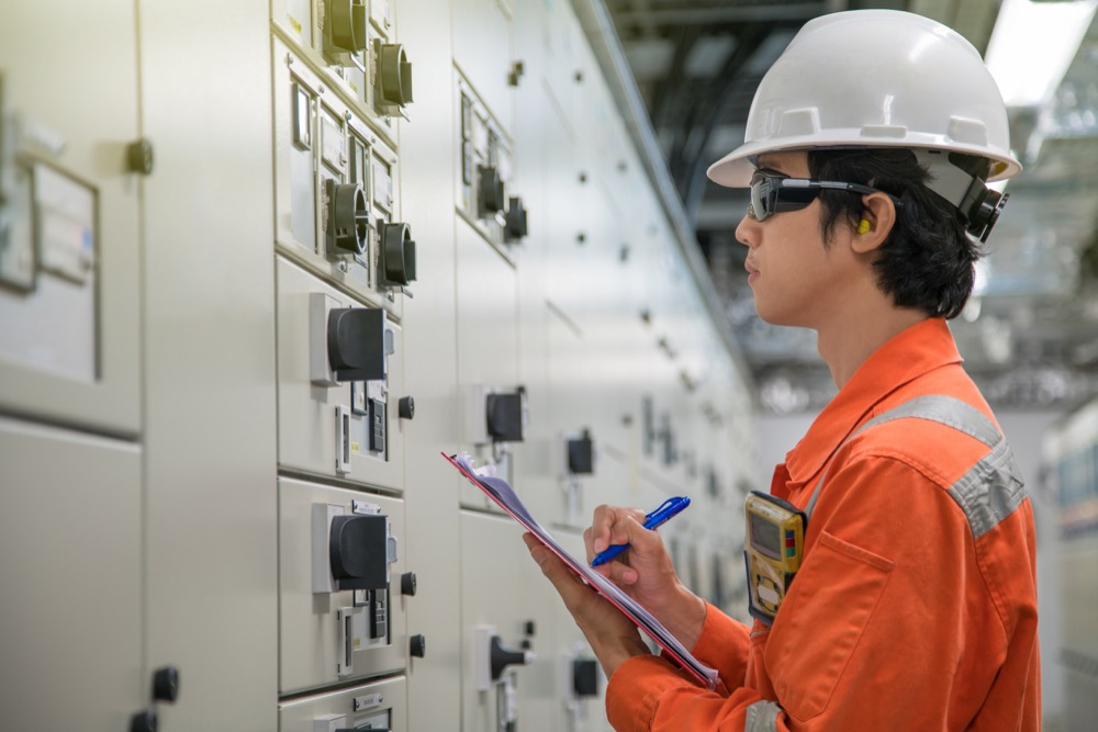 How do you prevent downtime in maintenance?